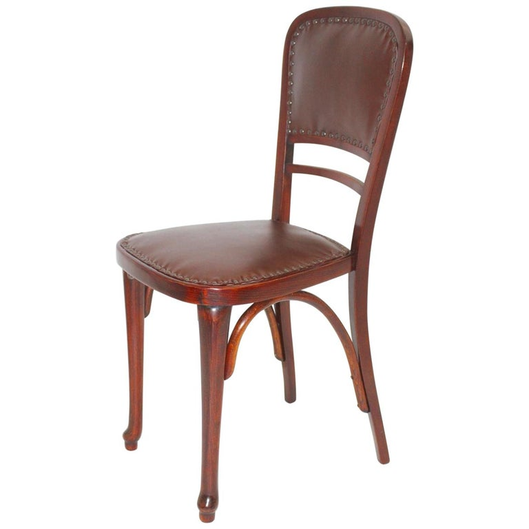 Jugendstil Vintage Beech and Leather Chair Kat. Nr. 491 by Thonet, circa 1904 For Sale