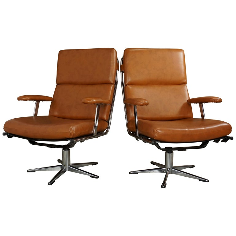1950s Design Pair of Lounge and Swivel Armchairs For Sale