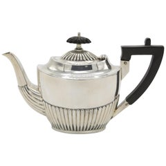 Walker and Hall Teapot 925/- Sterling Silver Sheffield 1895