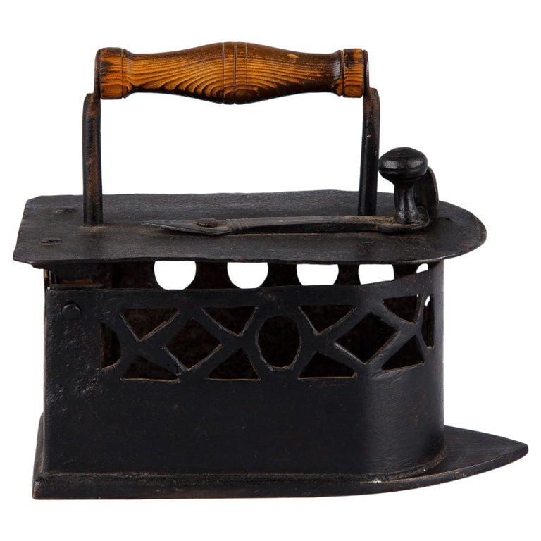 Antique French Coal Iron, 19th Century For Sale