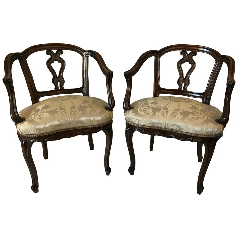 Pair of Venetian Late 19th Century Rococo Style Walnut Armchairs For Sale