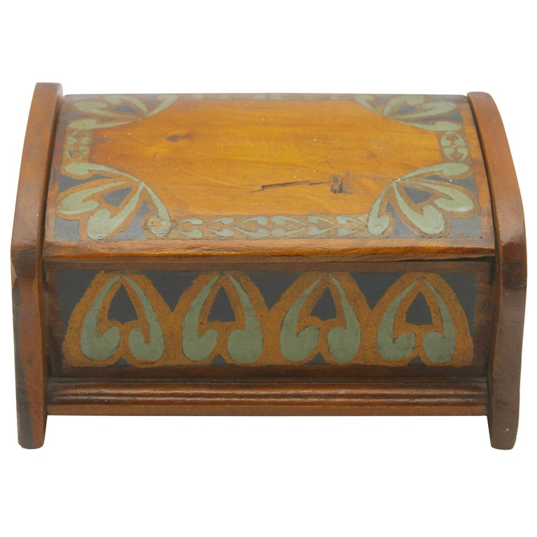 Arts & Crafts Box with Decorative Hand Painted Decor, circa 1910 For Sale
