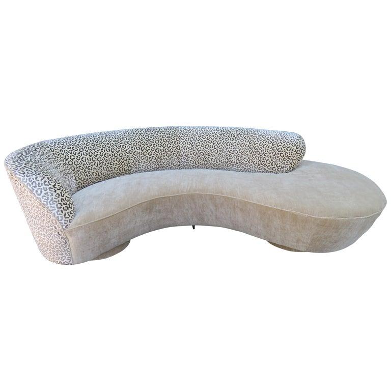 Stunning Vladimir Kagan Curved Serpentine Cloud Sofa Mid-Century Modern For Sale