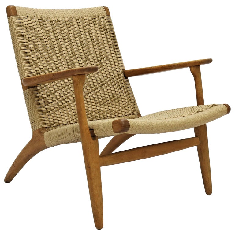 Hans J. Wegner Scandinavian Modern Lounge Chair Ch25 in Oak and Papercord For Sale