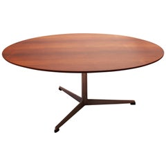 Round Coffee Table, Model 3513, Designed by Arne Jacobsen