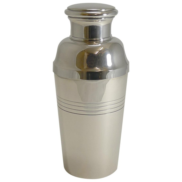 Large Art Deco Silver Plated Cocktail Shaker, French by Lancel Paris circa 1930s For Sale