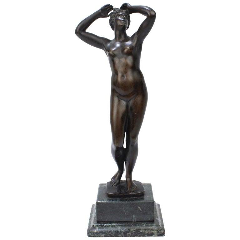 Antique Grand Tour Bronze Sculpture of a Venus For Sale