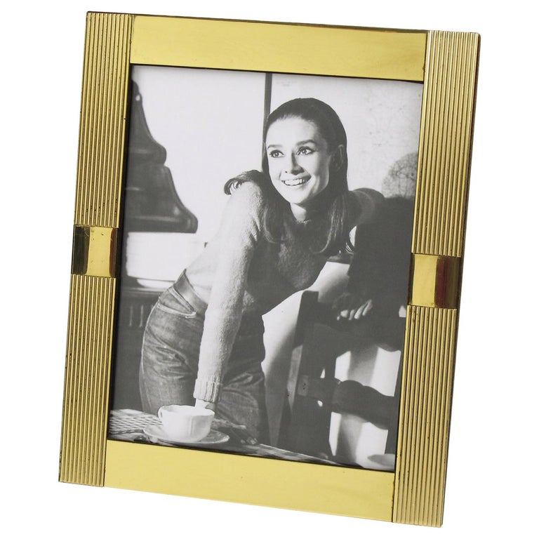 Italian Designer Noel B.C. 1970s Modernist Brass Picture Photo Frame For Sale