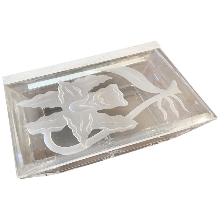 Dorothy Thorpe Etched Glass Lidded Box