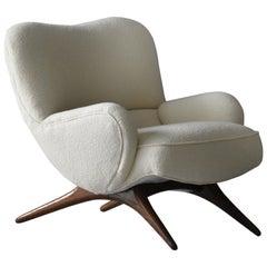 Vladimir Kagan, Rare and Early Lounge Chair, Walnut, White Fabric, Studio 1950s