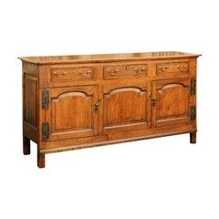 English 1820s Georgian Oak Enfilade with Drawers, Doors and Metal Hinges