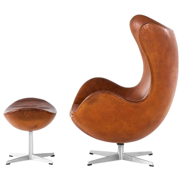 Arne Jacobsen Early Egg Chair with Stool by Fritz Hansen in Denmark For Sale