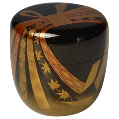 Gold Lacquer Tea Caddy (Natsume) with festive knot by Ichigo Itcho (1898-1991)