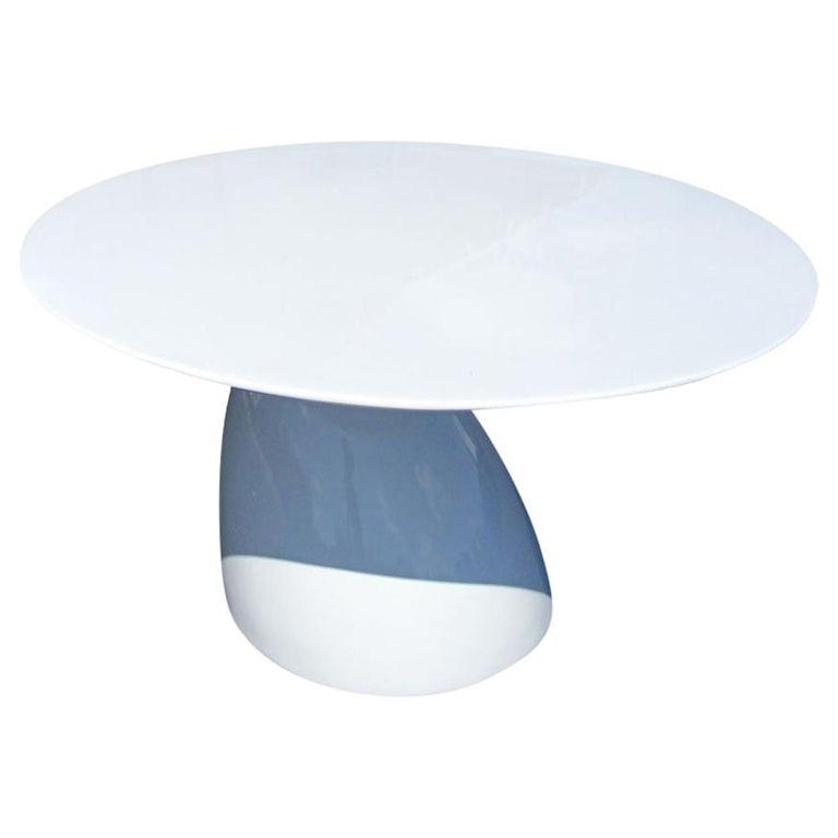 Round Sculptural Dining Table in the Style of Eero Aarnio For Sale
