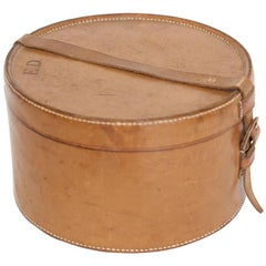 Antique Leather Gentleman's Collar Box