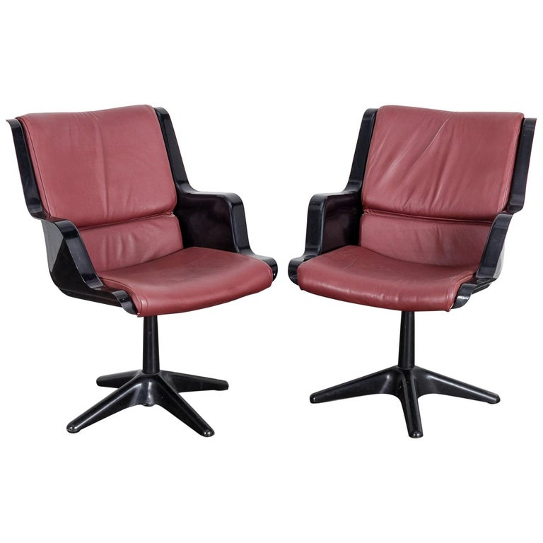 Pair of Yrjo Kukkapuro for Haimi Molded Plastic and Leather Swivel Side Chairs For Sale