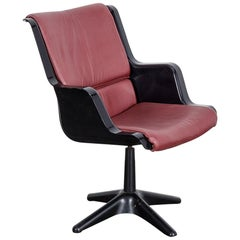 Yrjo Kukkapuro for Haimi Molded Plastic and Leather Swivel Side Chair