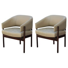 Set of Two Lounge Chairs in Rosewood by Jorge Zalszupin