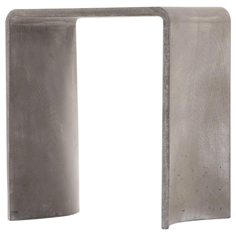 Tadao 40 Concrete Contemporary Stool & Side Table, 100% Handcrafted in Italy For Sale