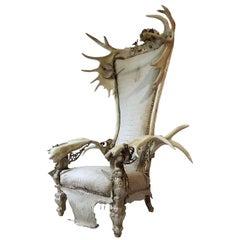 White Alligator Throne with Natural Moose Antler