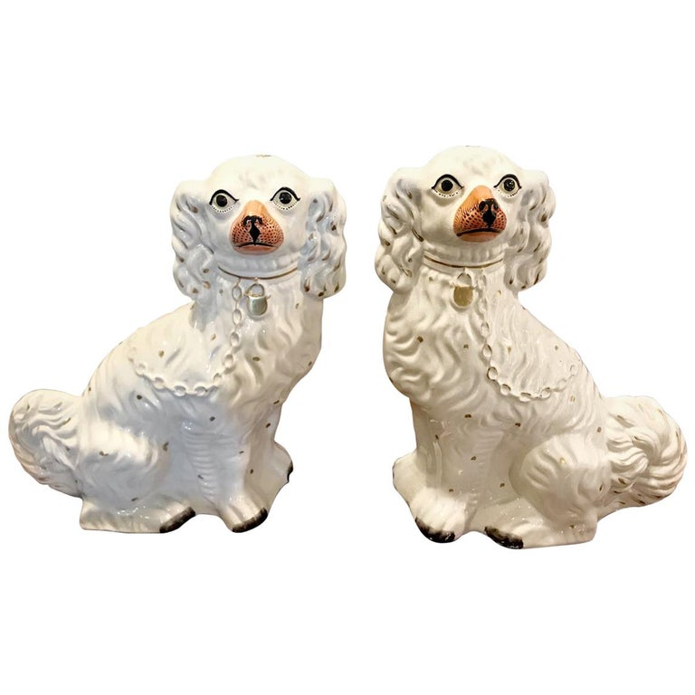 Pair of Large Staffordshire Spaniels, circa 1870 For Sale