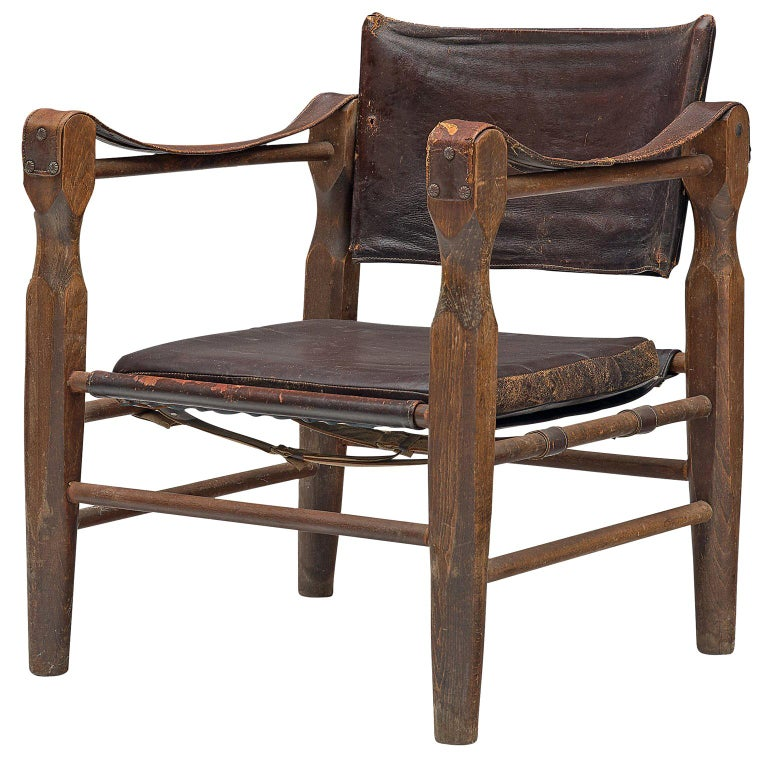 Safari Chair in Patinated Brown Leather and Oak, 1940s For Sale