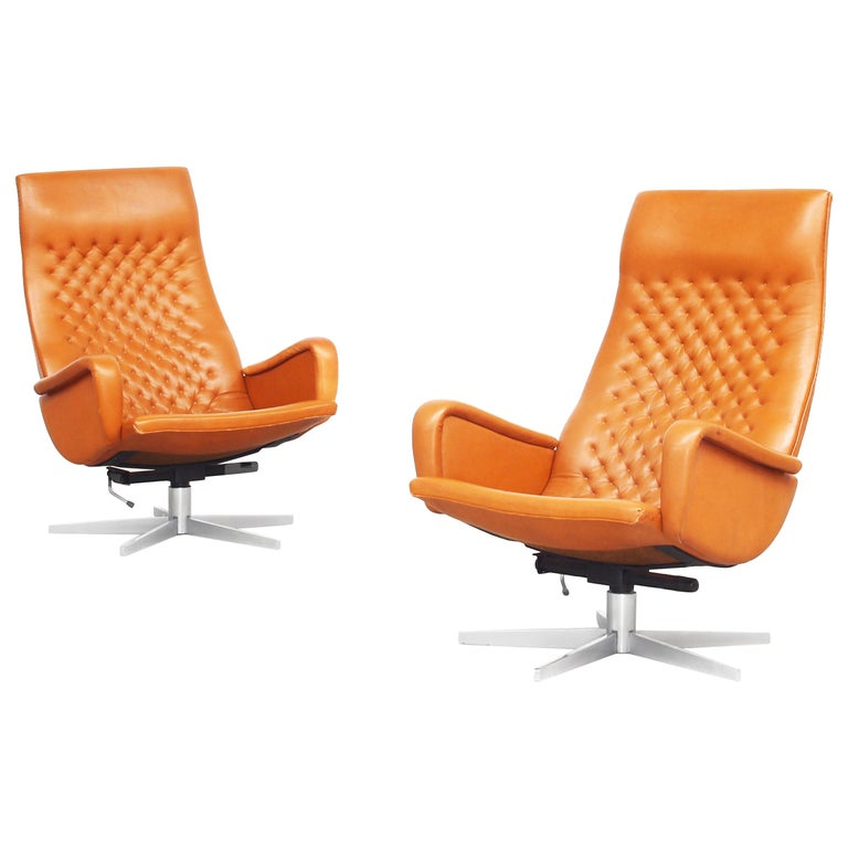 Pair of Lounge Chairs by De Sede Mod. Ds 51, Original 1970s in Cognac Leather For Sale