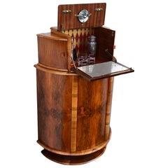 Superbly Stylish 1930s Art Deco Walnut Cocktail Cabinet Dry Bar