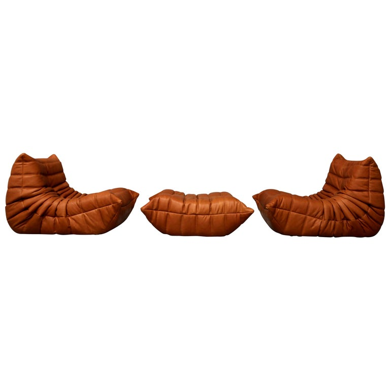 Pair of Vintage Ligne Roset Togo Leather Lounge Chairs with Pouf, France For Sale