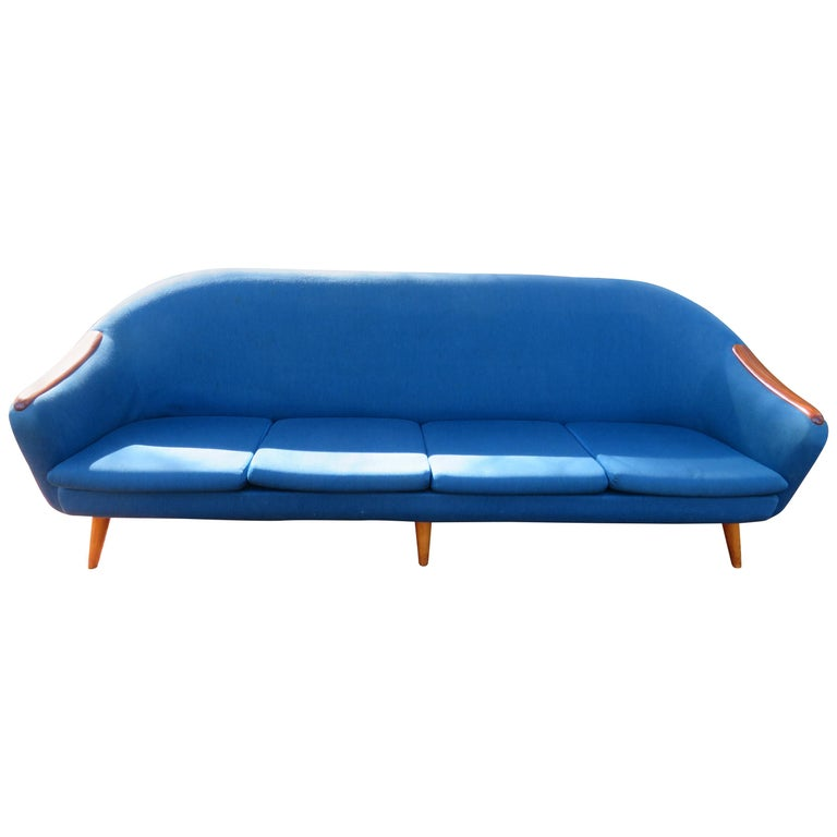 Handsome Nanna Ditzel Style Four-Seat Sculptural Teak Sofa, Midcentury Danish For Sale