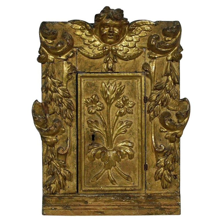 18th Century Italian Carved Giltwood Baroque Tabernacle with Angel For Sale