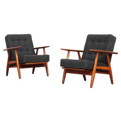 Pair of Danish Lounge Chairs by Hans J. Wegner for GETAMA Cigar Mod. 240