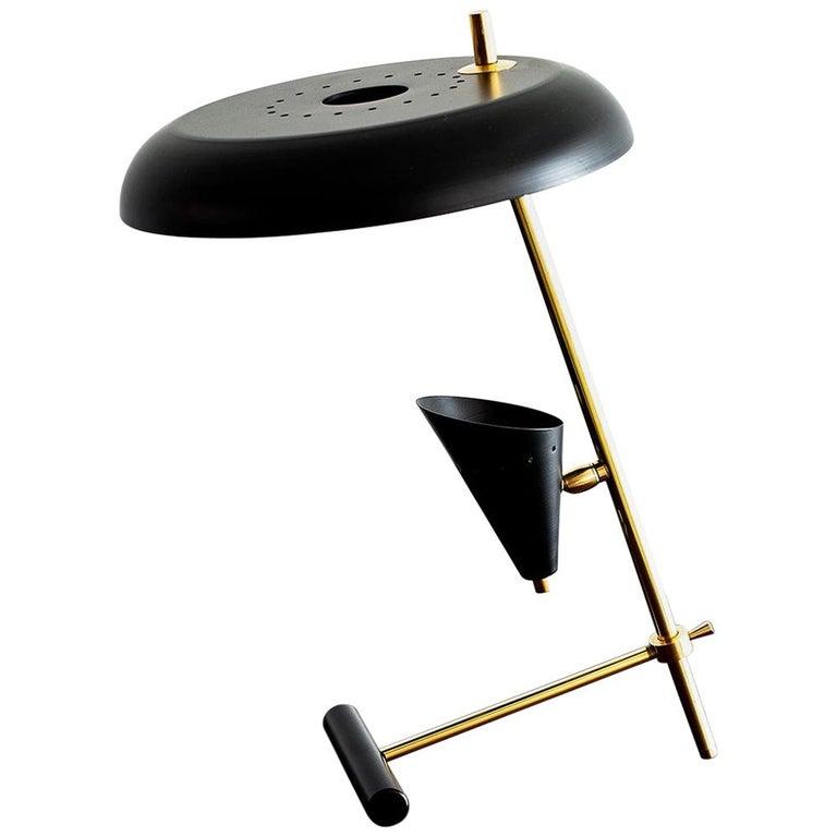 Italian Desk Lamp in the Style of Gino Sarfatti For Sale
