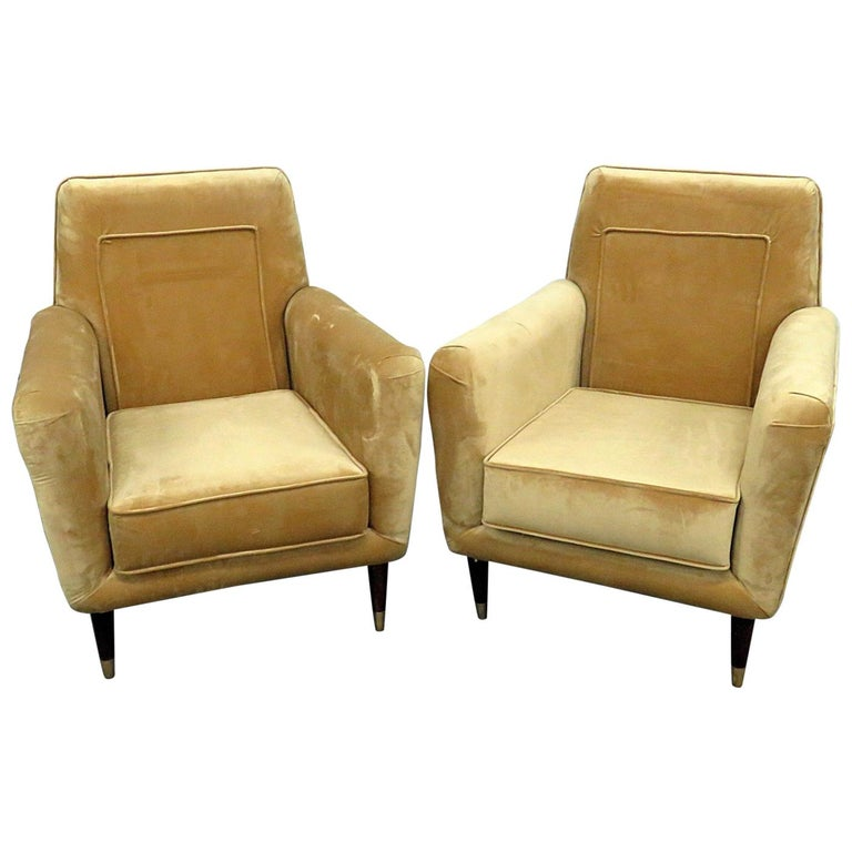 Pair of Mid-Century Modern Club Chairs For Sale
