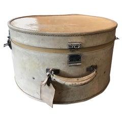 Harrods Ladies Hat Box in White Pig Leather 19th Century