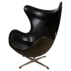 Arne Jacobsen Early Egg Chair in Black Leather, Fritz Hansen, 1958