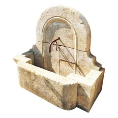 Moustiers Saint, Marie Wall Fountain