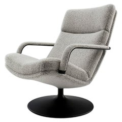 Artifort F142 Chair in Grey with Disc Base by Geoffrey D. Harcourt RDI