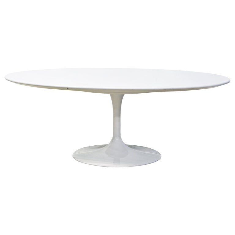 White Oval Tulip Coffee Table by Eero Saarinen for Knoll, Label For Sale