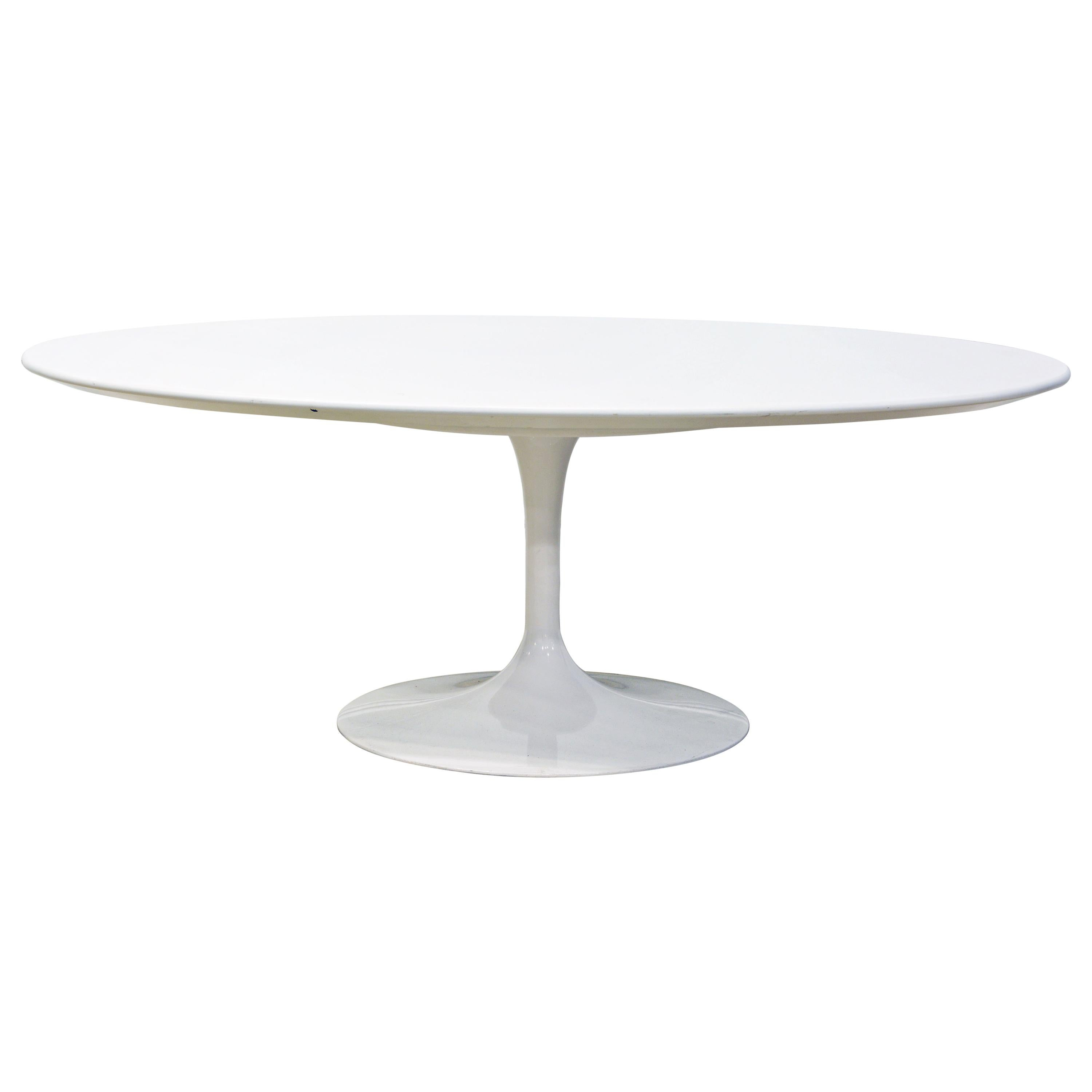 Ordinaire White Oval Tulip Coffee Table By Eero Saarinen For Knoll, Label For Sale