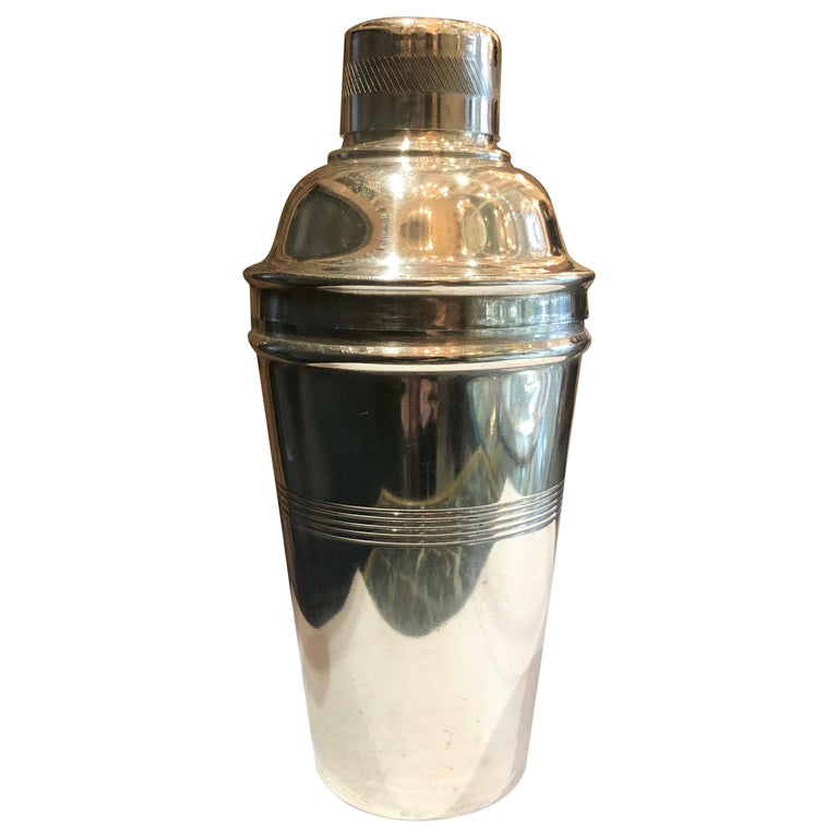 """Estate English Art Deco """"Gaskell and Chambers"""" Cocktail Shaker, circa 1930-1940 For Sale"""