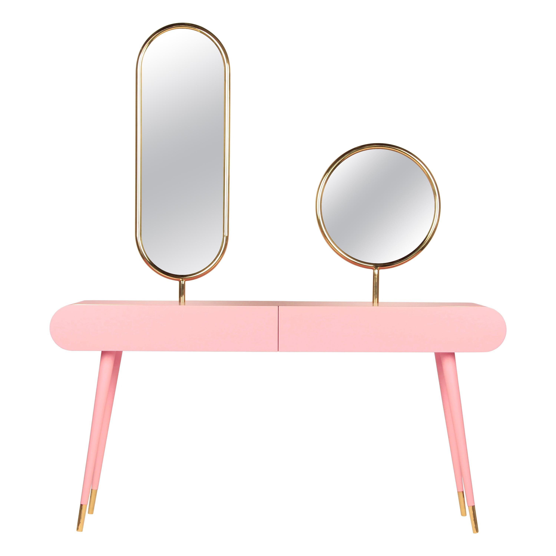 Marshmallow Dressing Table, Royal Stranger