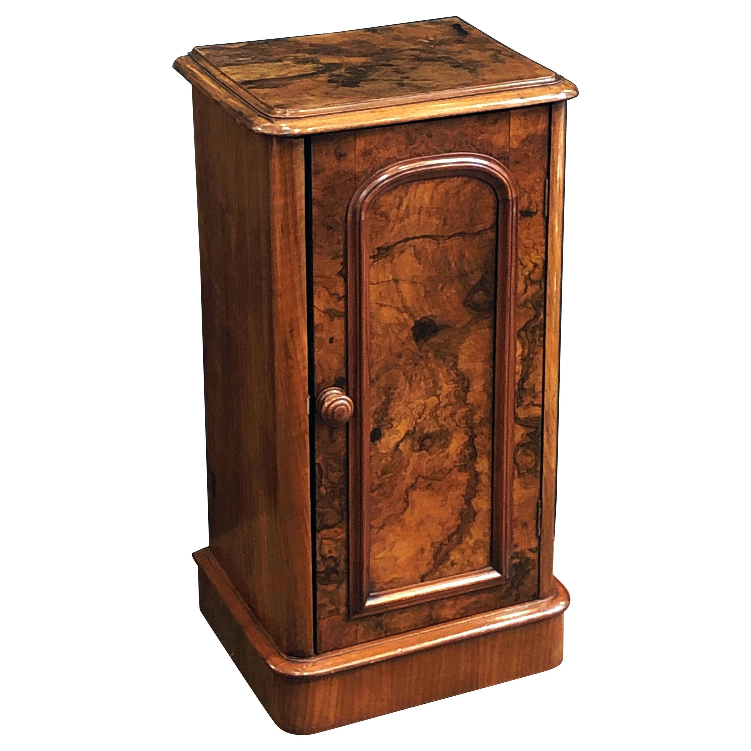 French Nightstand or Bedside Table of Burled Walnut