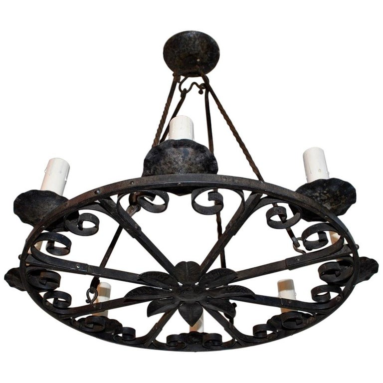 Elegant 1920s French Hands Made Wrought Iron Chandelier For Sale