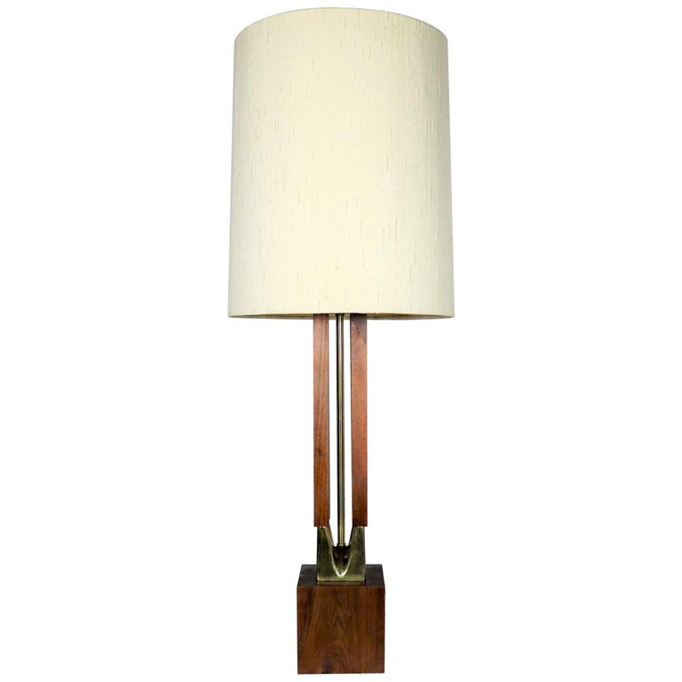 Mid-Century Modern Large Scale Walnut & Brass Lamp Attributed to Laurel Lamp Mfg For Sale