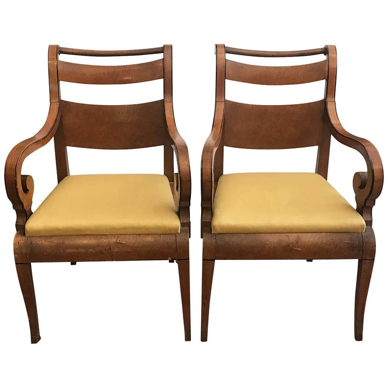 Italian Pair of Armchairs 19th Century Charles X Genoese Maple Armchairs For Sale