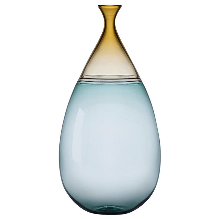 Modernist Hand Blown Art Glass Vessel in Straw and Tourmaline by Vetro Vero For Sale