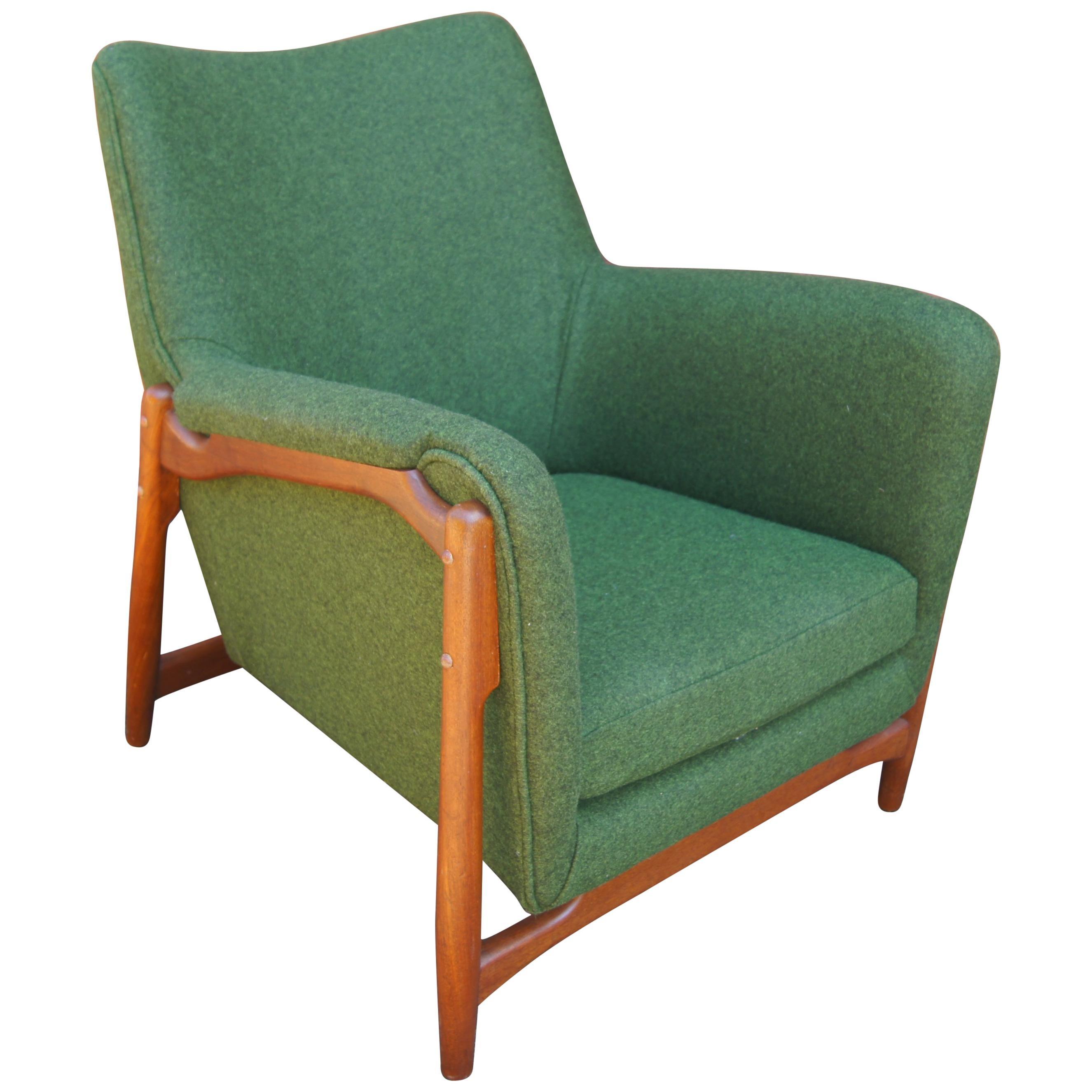 Scandinavian Modern Walnut Lounge Chair