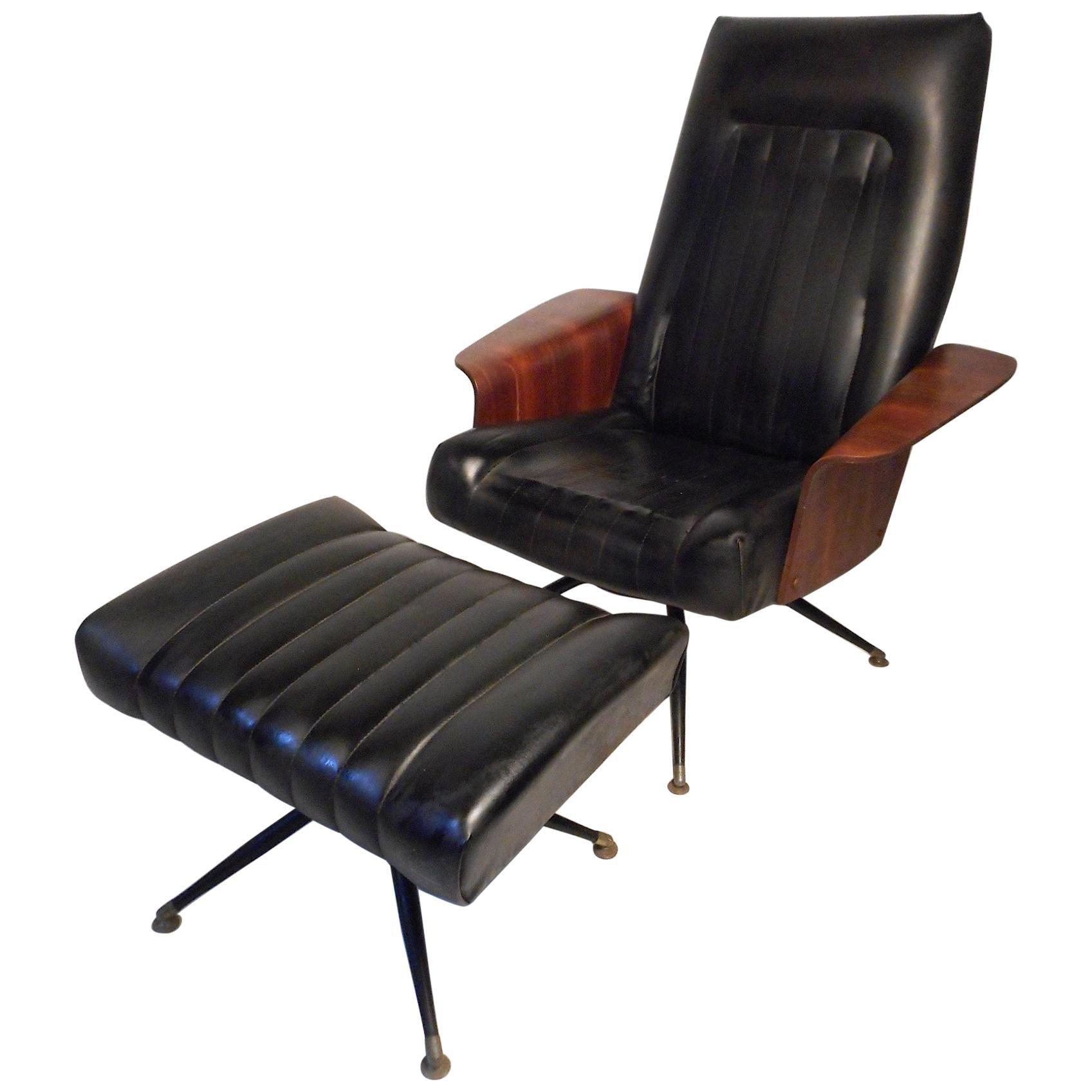 Tremendous Mid Century Modern Tufted Vinyl Lounge Chair And Ottoman Creativecarmelina Interior Chair Design Creativecarmelinacom