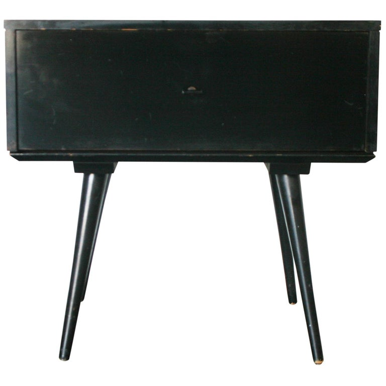 Midcentury Paul McCobb Single Drawer #1500 Nightstand Black Maple T Pull For Sale